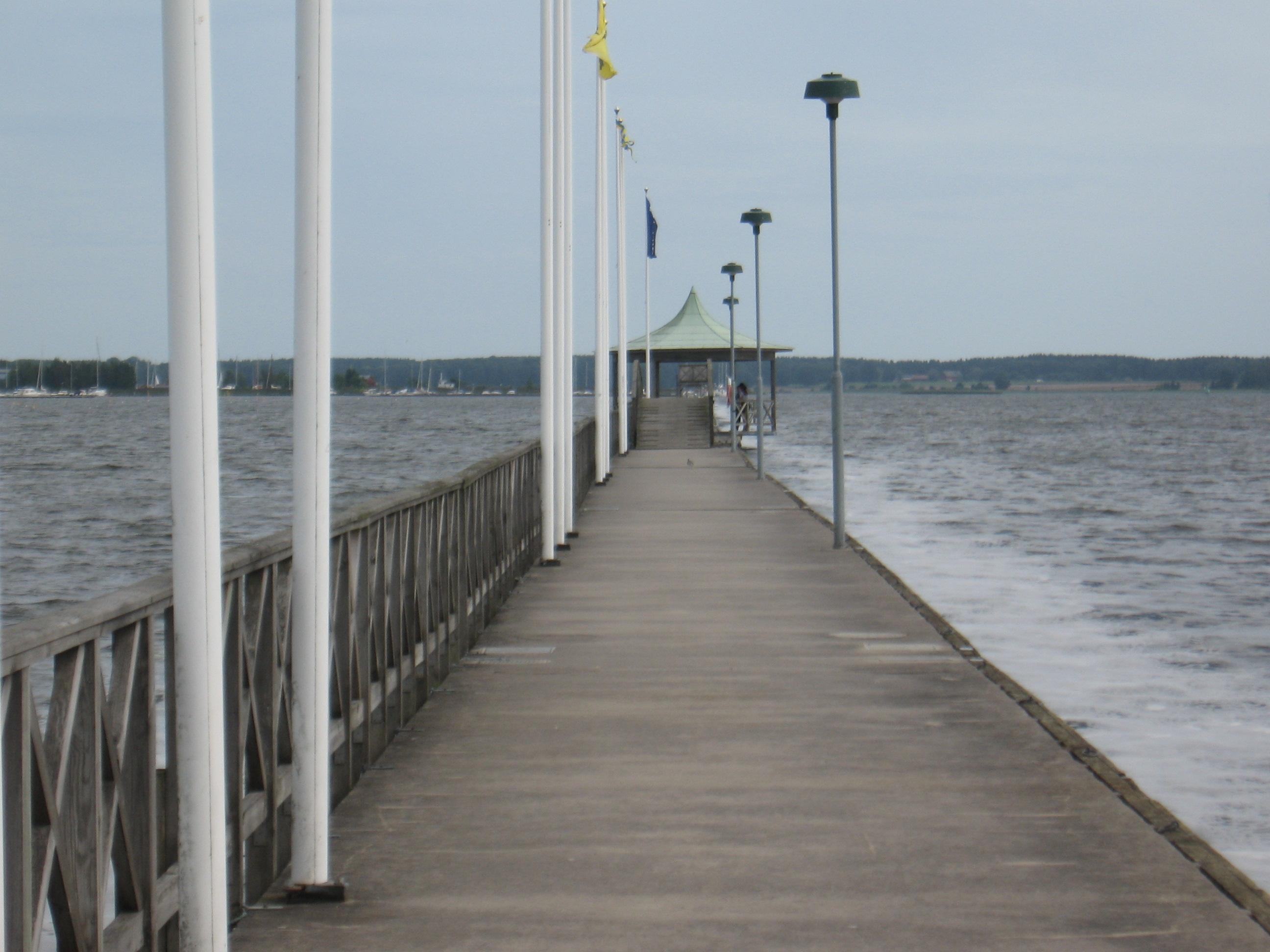 Pontonu tilts